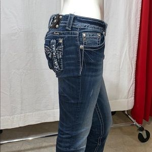 MISS ME BOOT CUT 30/33 mid rise of 8